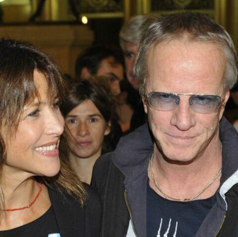 Sortie au théâtre en amoureux pour Sophie Marceau et Christophe Lambert