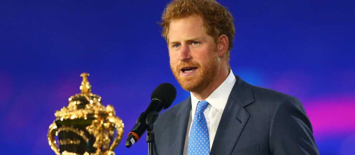 Le Prince Harry donne le coup d'envoi de la Coupe du monde de Rugby