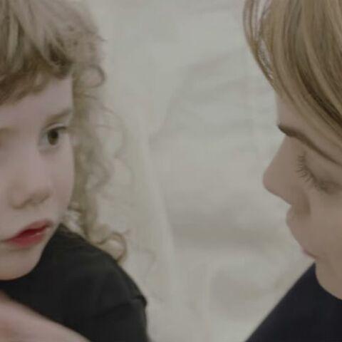 VIDEO – Coeur de Pirate fait jouer sa fille de 4 ans dans son clip