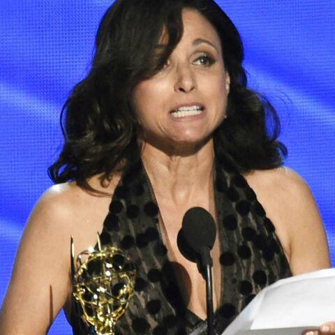 VIDEO – Julia Louis-Dreyfus, récompensée aux Emmy Awards, rend hommage à son père décédé la veille