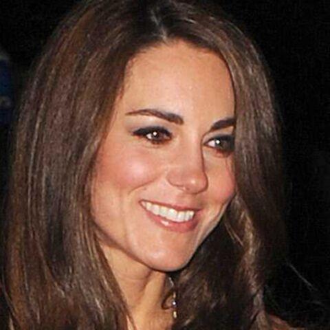 Photos: Kate Middleton brille aux bras de William et Harry