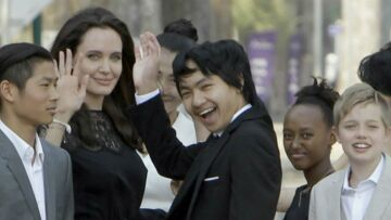 Angelina Jolie tend la main à Brad Pitt: calcul ou sincérité?