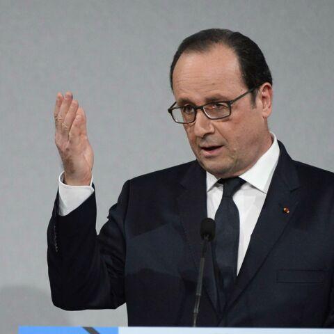 Photos- François Hollande bien entouré pour les 70 ans de l'AFP