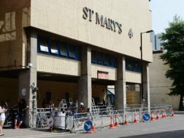 Le Royaume-Uni attend son héritier à la porte de l'hôpital St Mary's de Londres