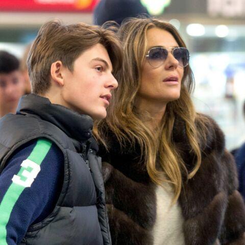 Le fils d'Elizabeth Hurley marche dans les pas de sa mère
