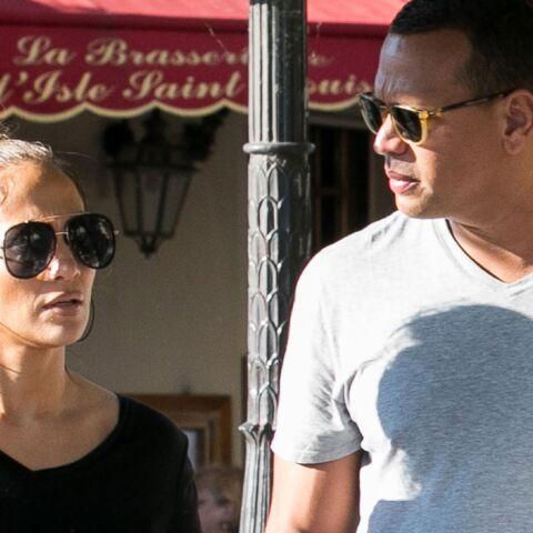 PHOTOS – Jennifer Lopez et son chéri Alex Rodriguez ont dépensé une petite fortune pour leur voyage à Paris