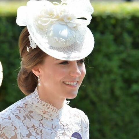 PHOTOS – Kate Middleton ose la robe blanche transparente