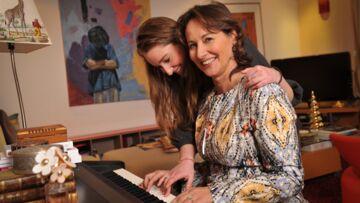 Exclu- Ségolène Royal et sa fille Flora reçoivent Gala