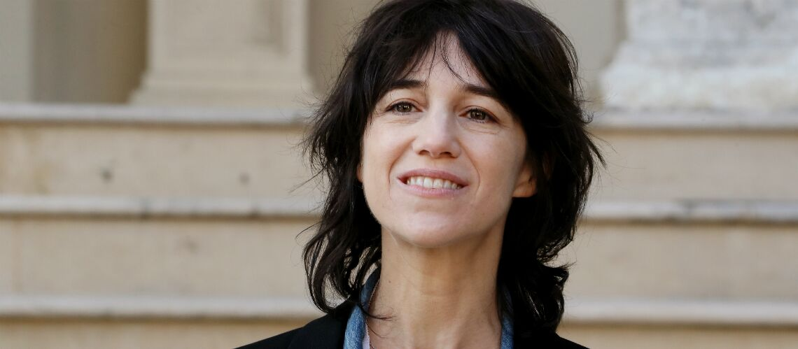 charlotte gainsbourg tr s mue en entendant la voix de son p re gala. Black Bedroom Furniture Sets. Home Design Ideas