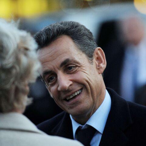 Carla Bruni: Nicolas Sarkozy est arrivé à la clinique à 23h