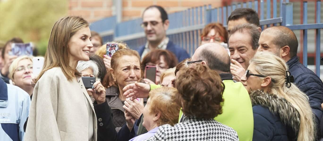 Bain de foule pour Letizia d'Espagne