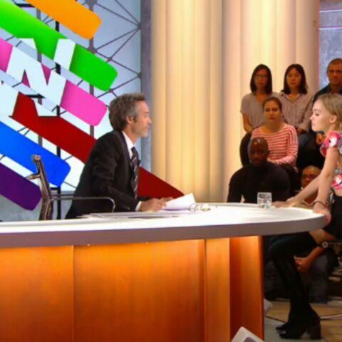 VIDEO – Yann Barthès, mal à l'aise, s'essaie au twerk avec Lily-Rose Depp
