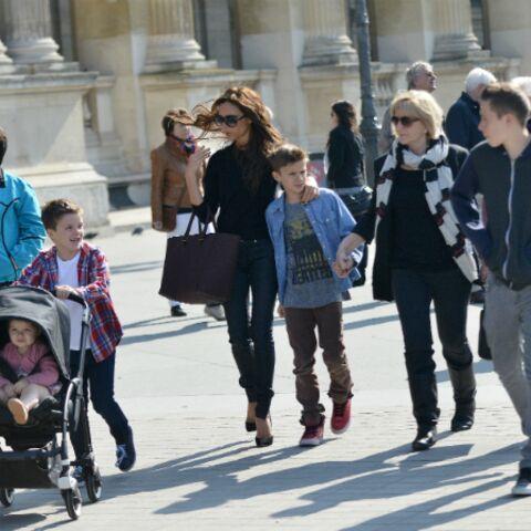 Photos- La famille Beckham arpente les rues de Paris
