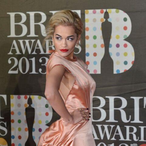 Rita Ora, Bérénice Marlohe, défilé glamour aux Brit Awards