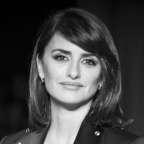 PHOTOS – Penélope Cruz arbore un superbe carré à frange