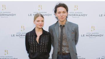 Raphaël et Mélanie Thierry en amoureux pour la réouverture de l'Hôtel Barrière Le Normandy.