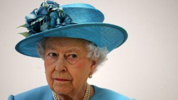 PHOTO – La tenue de la reine Elisabeth II pour son dernier discours fait polémique