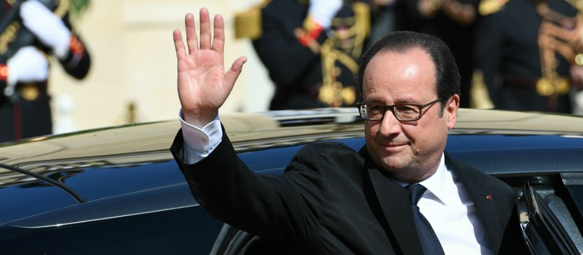 VIDEO – À la retraite, François Hollande se consa­cre… au foot­ball