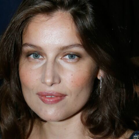 PHOTO – Quand Laetitia Casta prend une pose ultra sexy