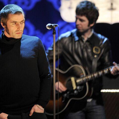 Oasis pourrait se reformer sur scène en 2015