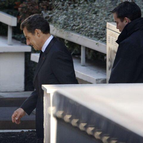 Nicolas Sarkozy se rend au chevet de Carla et de Giulia
