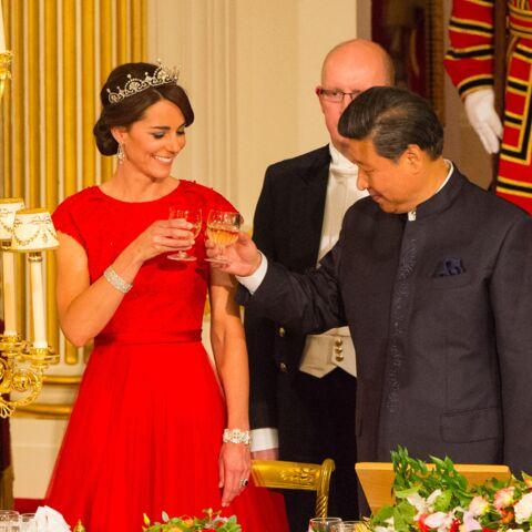 Princesse Kate, robe rouge et diadème pour son premier dîner d'état