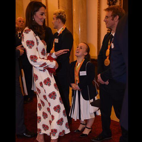"""LOOK – Kate Middleton, une """"princesse des fleurs"""""""