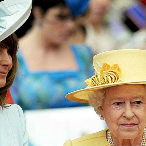 La reine Elisabeth II: pourquoi elle a fait la paix avec la mère de Kate Middleton