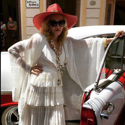 Madonna rejoue La Isla Bonita