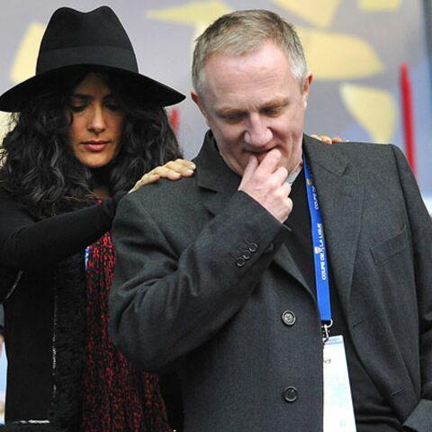 Salma Hayek, supportrice de charme au stade de France