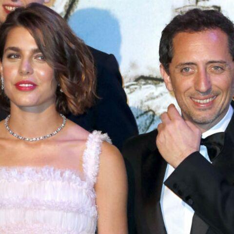 Charlotte Casiraghi et Gad Elmaleh sont sortis de la maternité avec Raphaël