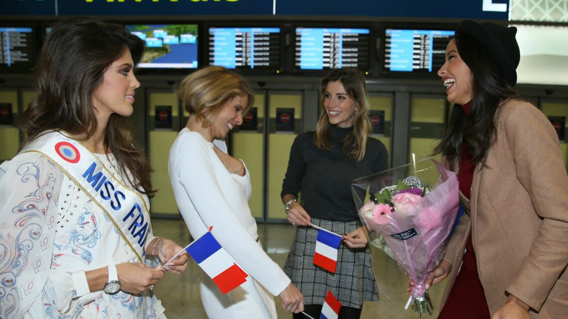 Accueil triomphal pour Flora Coquerel lors de son arrivée à Roissy