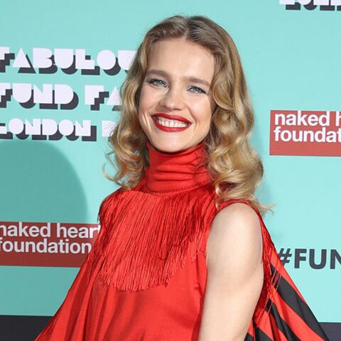 PHOTOS – Natalia Vodianova, pétillante en total look rouge pour son gala de charité