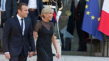 PHOTOS – Emmanuel Macron main avec la main avec Brigitte pour la Fête de la musique, il n'a d'yeux que pour elle