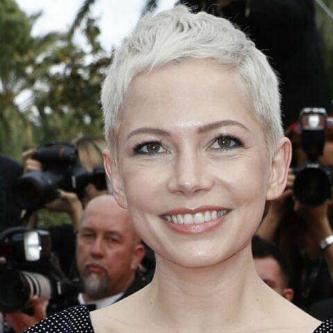 PHOTOS – On veut toutes la coupe courte blond platine de Michelle Williams !