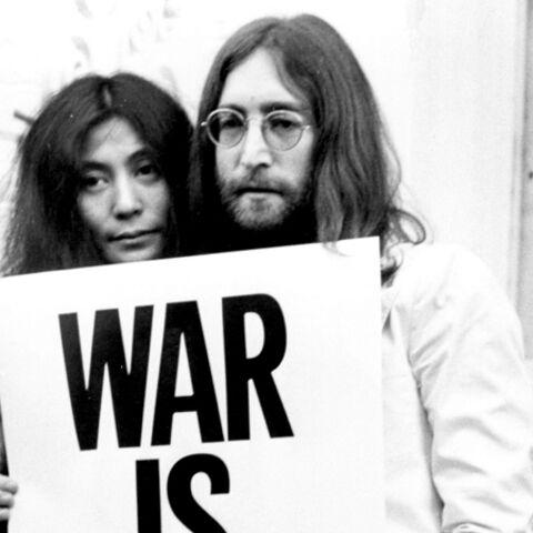 Yoko Ono poste sur Twitter les lunettes en sang de John Lennon