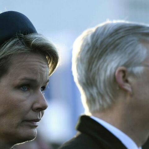 PHOTOS – Philippe et Mathilde de Belgique: l'émotion un an après les attentats de Bruxelles