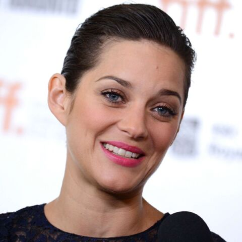 VIDEO – Marion Cotillard redevient Edith Piaf le temps d'une chanson