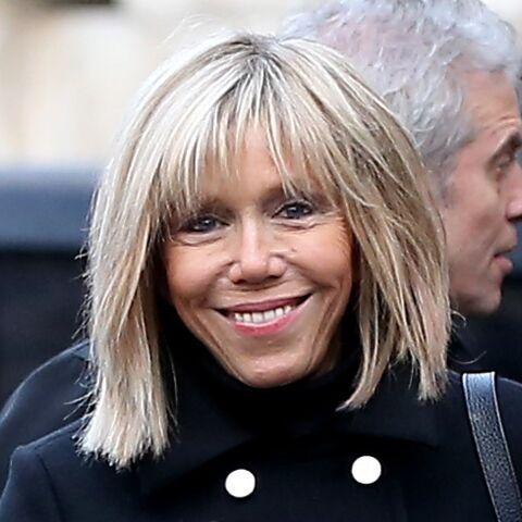 PHOTOS – Comment le jeans Acquaverde de Brigitte Macron est devenu un indispensable