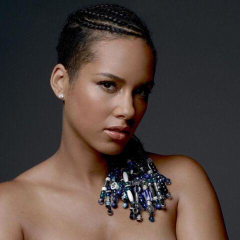 Alicia Keys pose nue pour la bonne cause