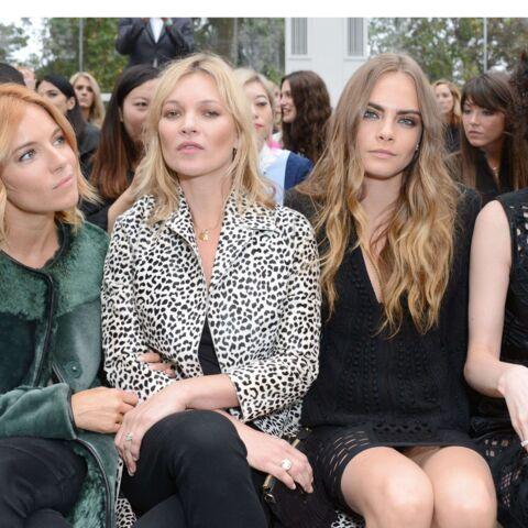 Kate Moss, Sienna Miller et Cara Delevingne, brochette chic chez Burberry