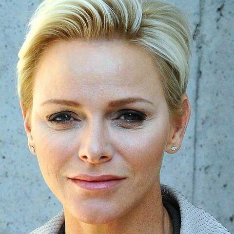 PHOTOS – Charlene Wittstock, l'épouse d'Albert de Monaco, chicissime en Armani