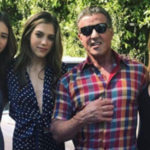 PHOTOS – Sylvester Stallone et ses 3 ravissantes filles, Carla Bruni et sa petite Giulia, Beyoncé très enceinte et sa fille Blue Ivy… Hot, insolite ou drôle, la semaine des stars en images