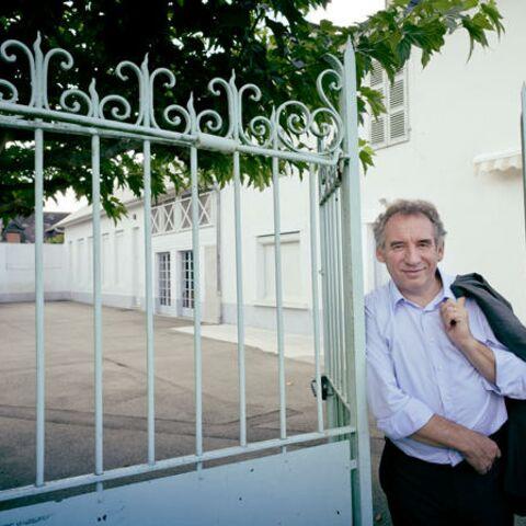François Bayrou à l'hôpital: haut les mains!