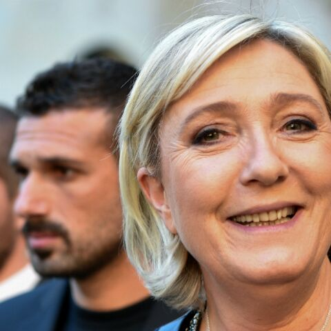 PHOTO – Marine le Pen topless: la photo qui agite la toile est-elle un fake?
