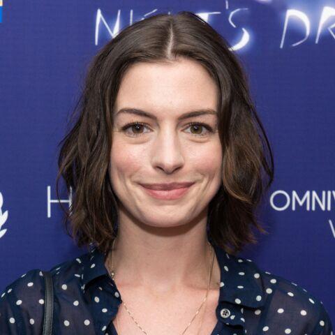 Anne Hathaway vexée par une blague d'Amy Schumer