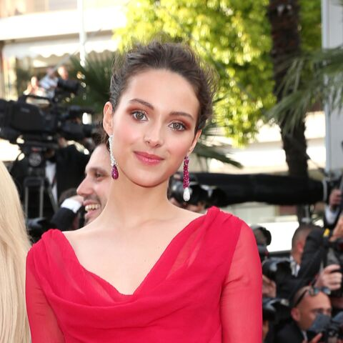PHOTOS – Jenaye Noah, la fille de Yannick Noah, très glamour pour son premier Festival de Cannes et tous les looks de la montée des marches du 22 mai