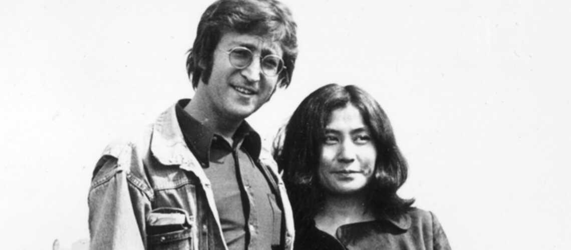 Yoko Ono dans le dressing de John Lennon