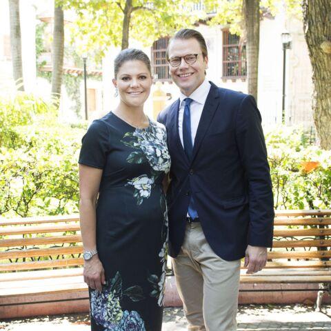 Victoria de Suède, enceinte en Asos de Lima à Carthagène