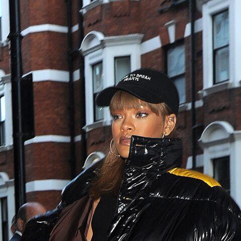 Quand Rihanna ose la doudoune et les baskets à talons